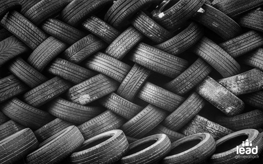 Tas de pneus qui illustre le large choix de CRM et outils de prospection btob disponibles sur le marché