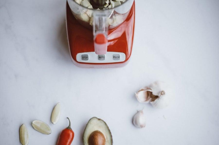Photo d'un mixer pour illustrer le mix des techniques inbound marketing et ourbound marketing