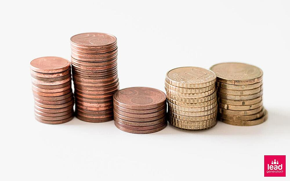 Photos de pièces de centimes d'euros pour symboliser le budget et le revenu de la génération de leads