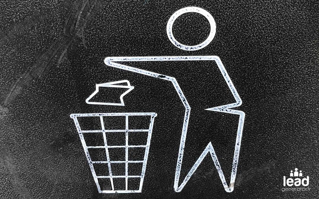 Photo d'un pictogramme de poubelle pour illustrer les choses à ne pas faire en communication de crise