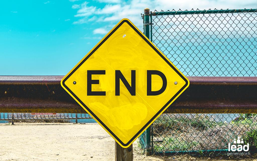 """Photo d'un panneau avec mention """"end"""""""