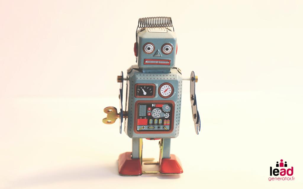 Photo d'un robot jouet pour imager l'automatisation de la prospection sur LinkedIn
