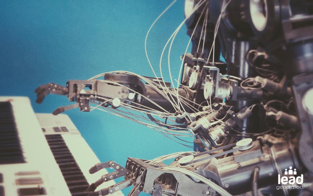Photo d'un automate jouant du piano pour symboliser le fait de générer des leads automatiquement